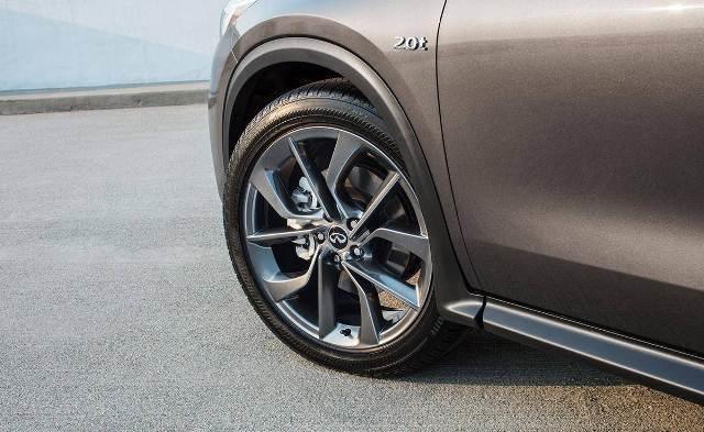 Lốp xe ô tô là bộ phận tiếp xúc trực tiếp với mặt đường và nâng đỡ toàn bộ chiếc xe