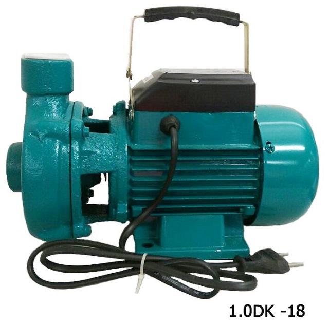 Máy bơm nước được sử dụng để vận chuyển chất lỏng lên cao hoặc dịch chuyển trong đường ống