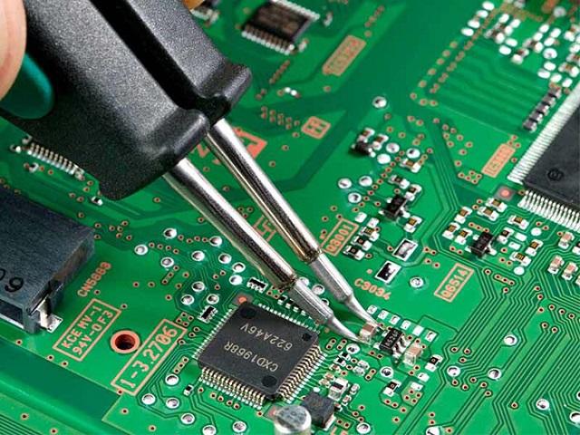 Nhu cầu nhập khẩu linh kiện điện tử ngày càng tăng khi nền công nghiệp điện tử phát triển mạnh