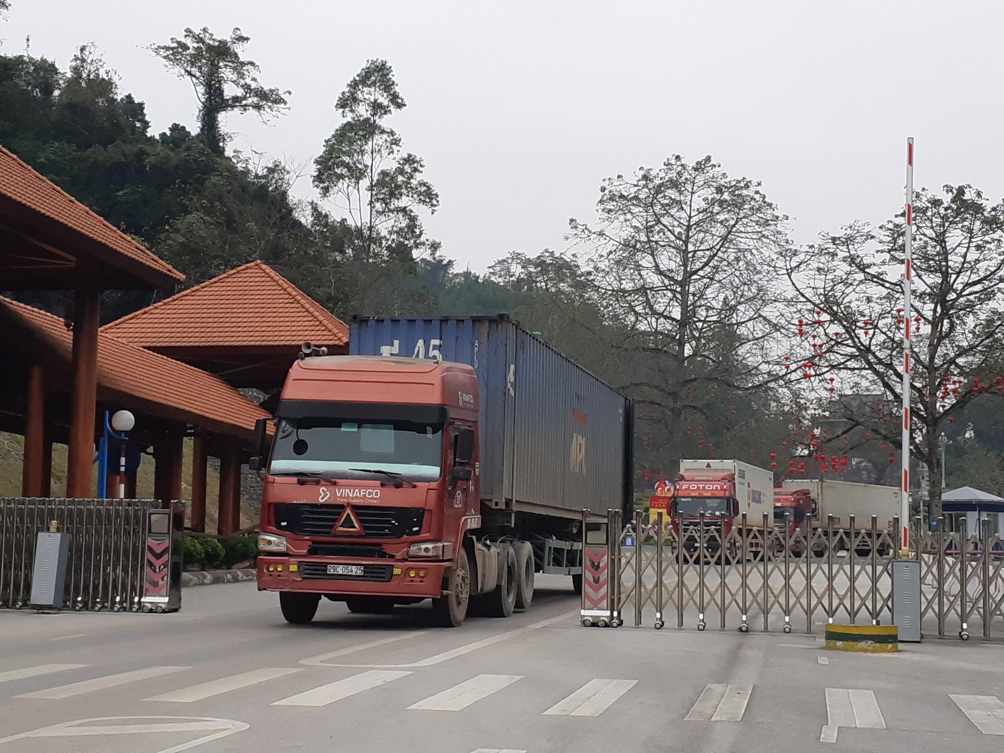 Hướng dẫn thủ tục chuyển tải, thay đổi phương thức vận tải hàng quá cảnh