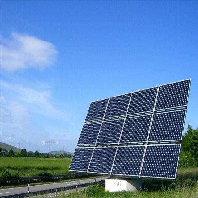 Nhờ có quá trình sản xuất đơn giản nên pin mặt trời Poly có giá khá thấp